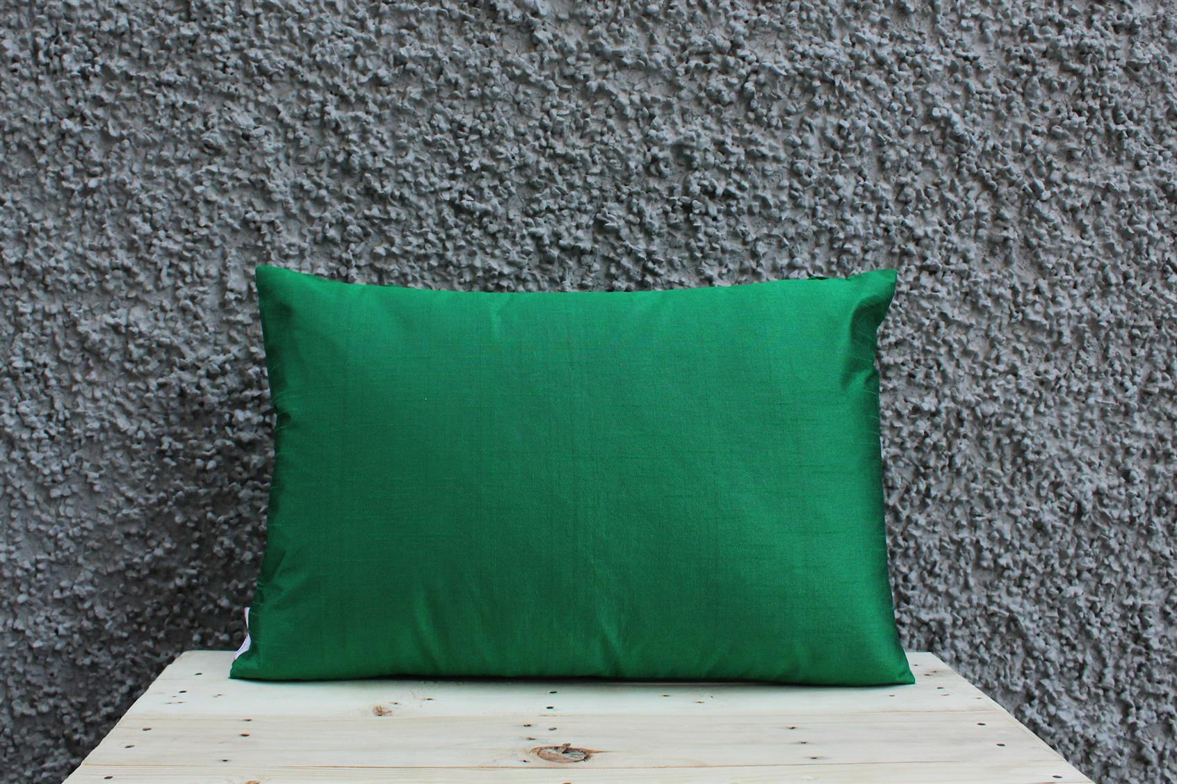 Green Tassel Cushion Cover