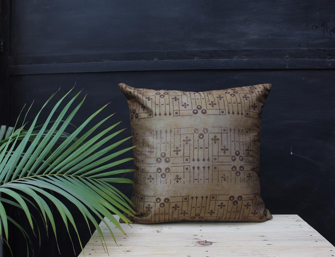 Lines and dots cushion cover